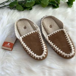 Acorn NWT Fleece Suede Slippers Moccasins Slip-On
